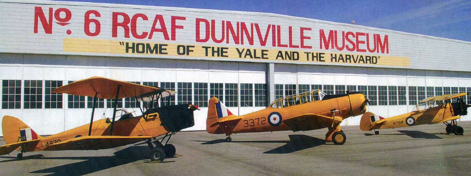 tiger-moth-yale-fleet-finch-airplanes-rcaf-museum-dunnville